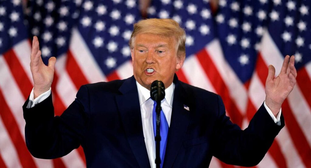 Trump se autoproclama ganador